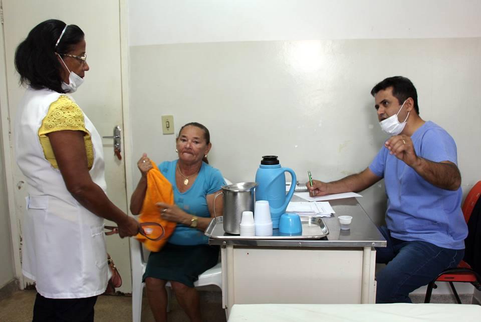15895163 230471630743070 3470010108979884093 n - Em Porto Franco, prefeito Dr Nelson, dá plantão em hospital atendendo o povo - minuto barra