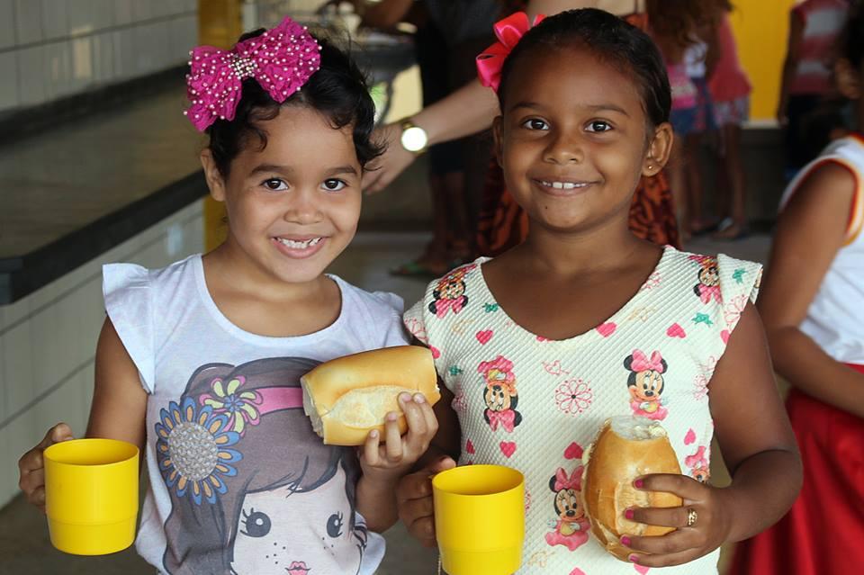 17264911 265014673955432 7206084428949642880 n - Em Porto Franco, comerciantes e produtores da agricultura familiar, fazem doações para a merenda escolar - minuto barra