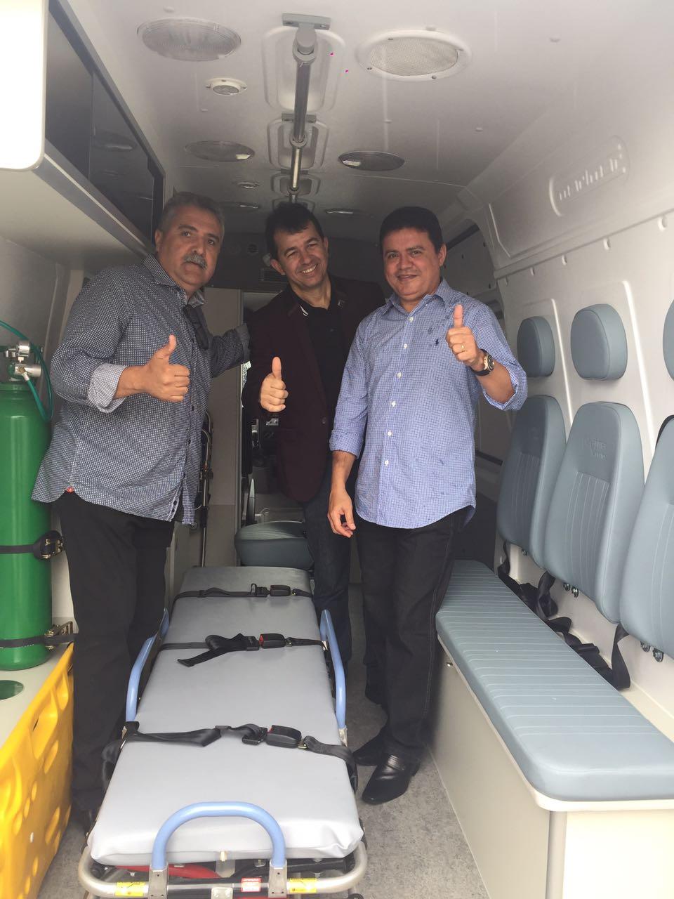 910c8e90 3a60 4fd8 b6c0 58cf9948dd45 - Deputado Rigo Teles entrega ambulância para o povo de Fortaleza dos Nogueiras - minuto barra