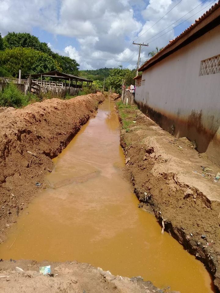18056833 1781668212055671 397932006069703429 n - Veja a situação lamentável da escola do Povoado Três Lagoas do Manduca - minuto barra