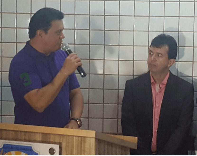 RIGO ALEANDRO - Rigo Teles entrega benefícios comprados com emendas ao povo de Fortaleza dos Nogueiras - minuto barra