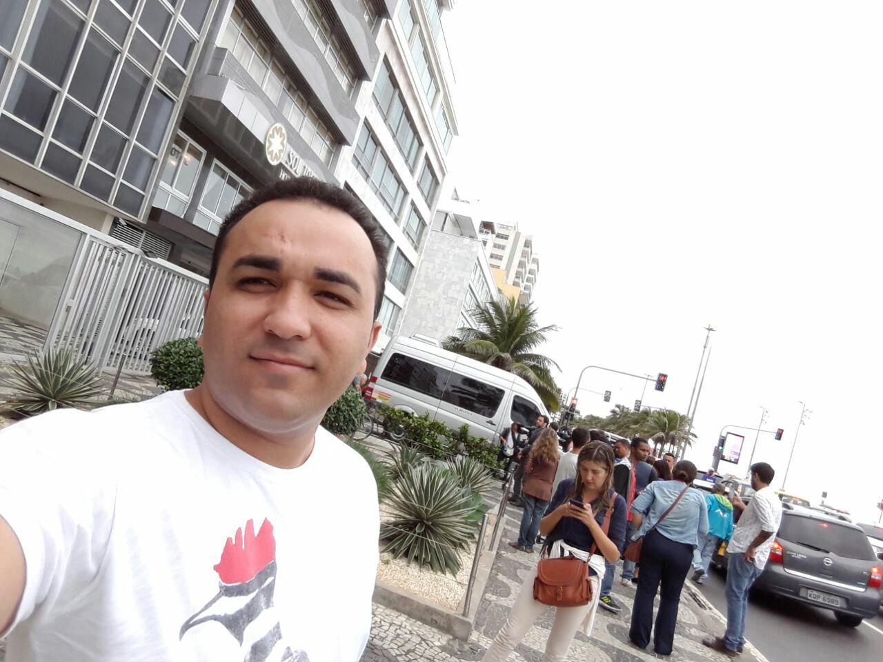 18491547 1792612144294611 1008524454538658043 o - Blogueiro Gildásio Brito acompanha ao vivo devassa da PF no apartamento de Aécio Neves no Rio - minuto barra