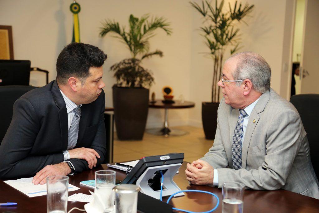 Hildo Rocha com o ministro do Esperto Leonardo Picciani1 1024x683 - Hildo Rocha consegue recursos para construção de ginásio de esportes no campus da UEMA  - minuto barra