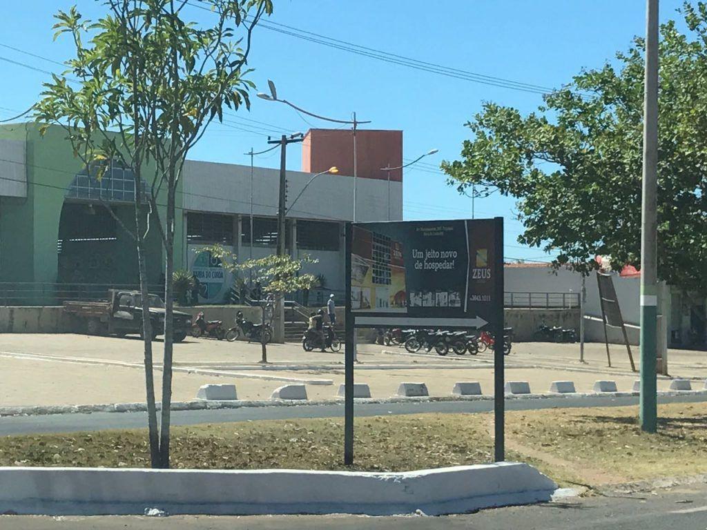 IMG 20170714 WA0025 1024x768 - Perseguição? Prefeitura manda retirar placas do Hotel Belchior na avenida - minuto barra