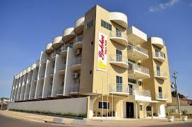 download 2 - Perseguição? Prefeitura manda retirar placas do Hotel Belchior na avenida - minuto barra