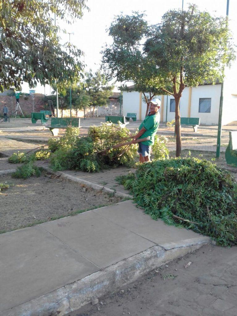 IMG 20170915 WA0023 767x1024 - Moradores se reúnem em Paraibano para a limpeza de uma praça - minuto barra