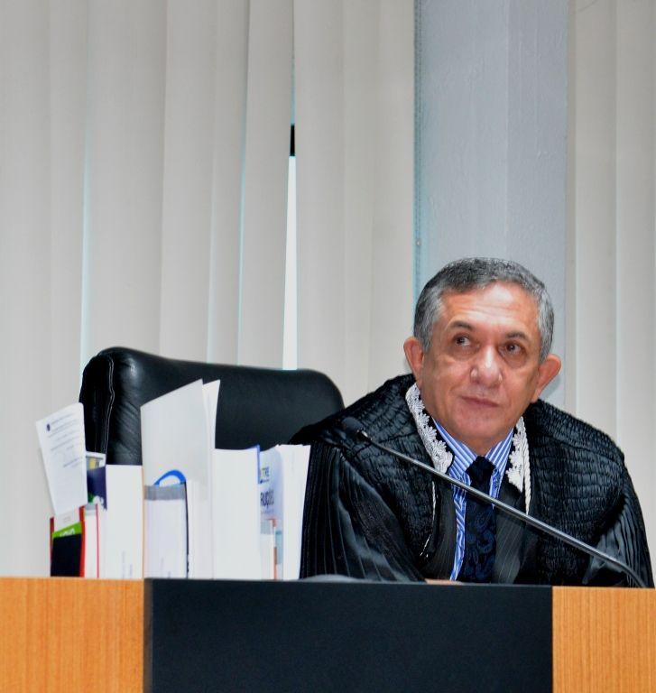 IMG 20170916 WA0006 - Juiz Sebastião Bonfim deixa o Tribunal Regional Eleitoral - minuto barra