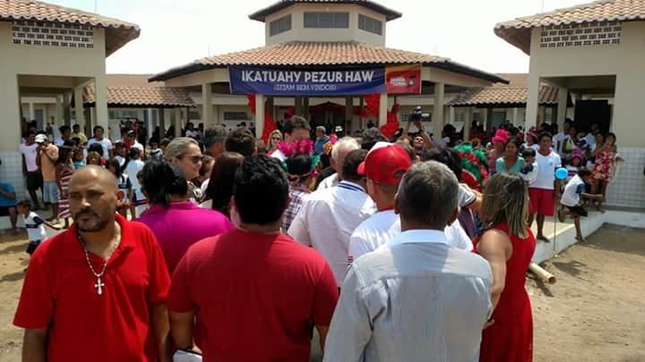 """FB IMG 1508523018889 - Flávio Dino falta com a verdade, ao afirmar que escola inaugurada em Barra do Corda, pertence ao programa """"Escola Digna"""" - minuto barra"""