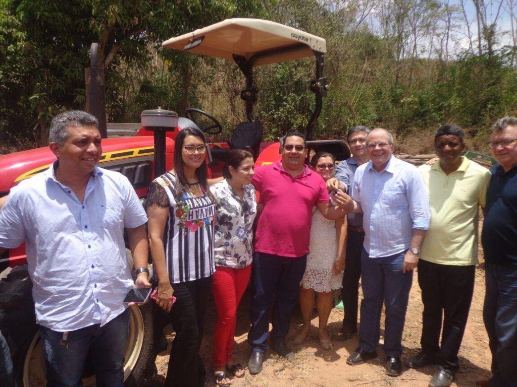 Foto 01 Entrega de patrulha mecanizada1 1024x768 - ATUAÇÃO: Hildo Rocha entrega 147 casas em Jenipapo dos vieiras e uma patrulha agrícola - minuto barra