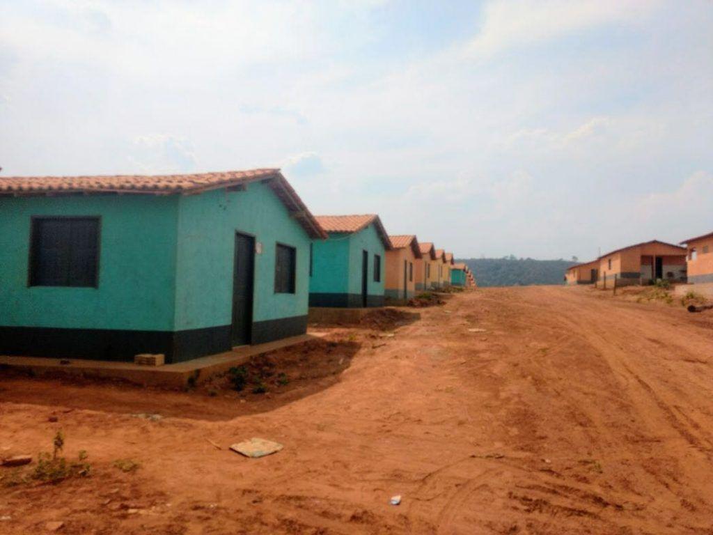 Foto 3 Casas entregues1 1024x768 - ATUAÇÃO: Hildo Rocha entrega 147 casas em Jenipapo dos vieiras e uma patrulha agrícola - minuto barra