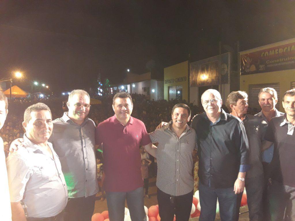 20171110 2011310 1024x768 - MEGA FESTA: Uma multidão na comemoração do aniversário de Fernando Falcão - minuto barra