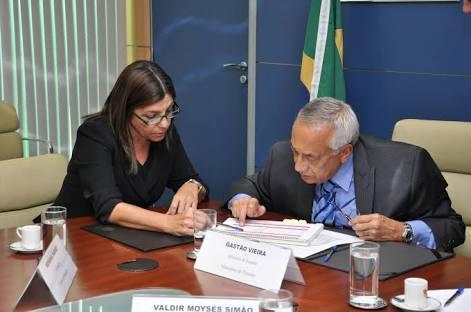 """images 2 1 - Onde estão os """"votos"""" de Gastão Vieira? - minuto barra"""