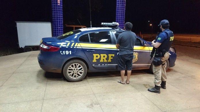 img 2960 - Homem com prisão decretada, é preso pela PRF na Br-222 - minuto barra