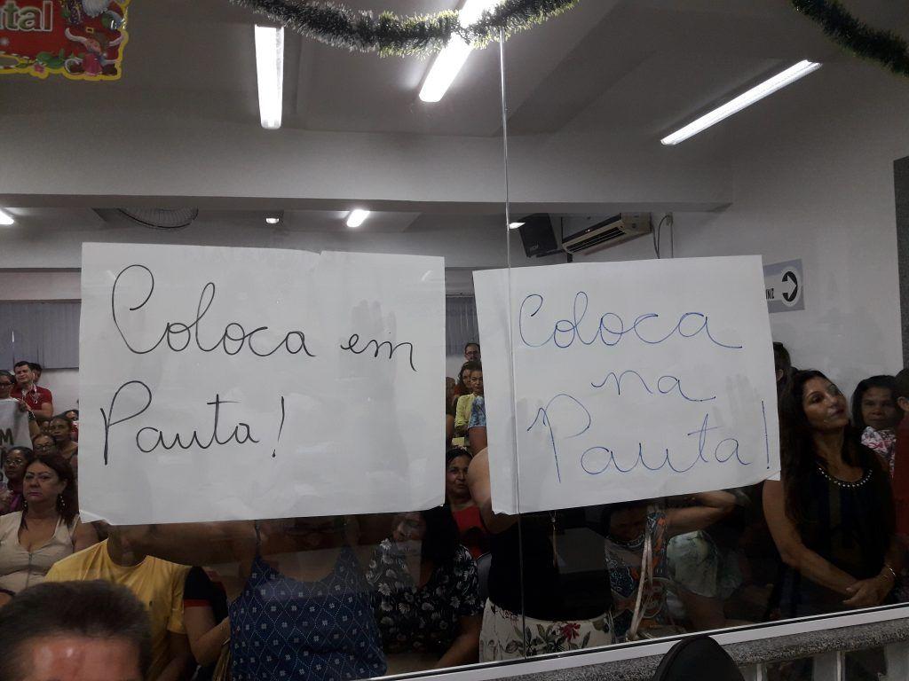 20171219 165149 1024x768 - Professores lotam a Câmara Municipal de Barra do Corda, e sessão se tornou tensa - minuto barra