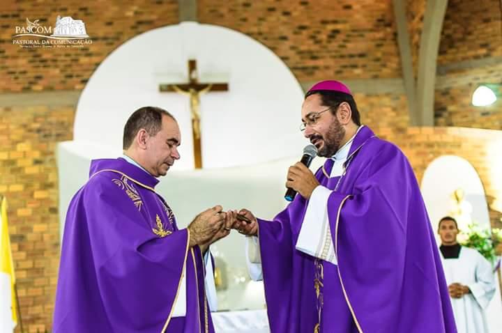 FB IMG 1519210265294 - Igreja Giana Bereta renova mandato de Padre Raimundo - minuto barra