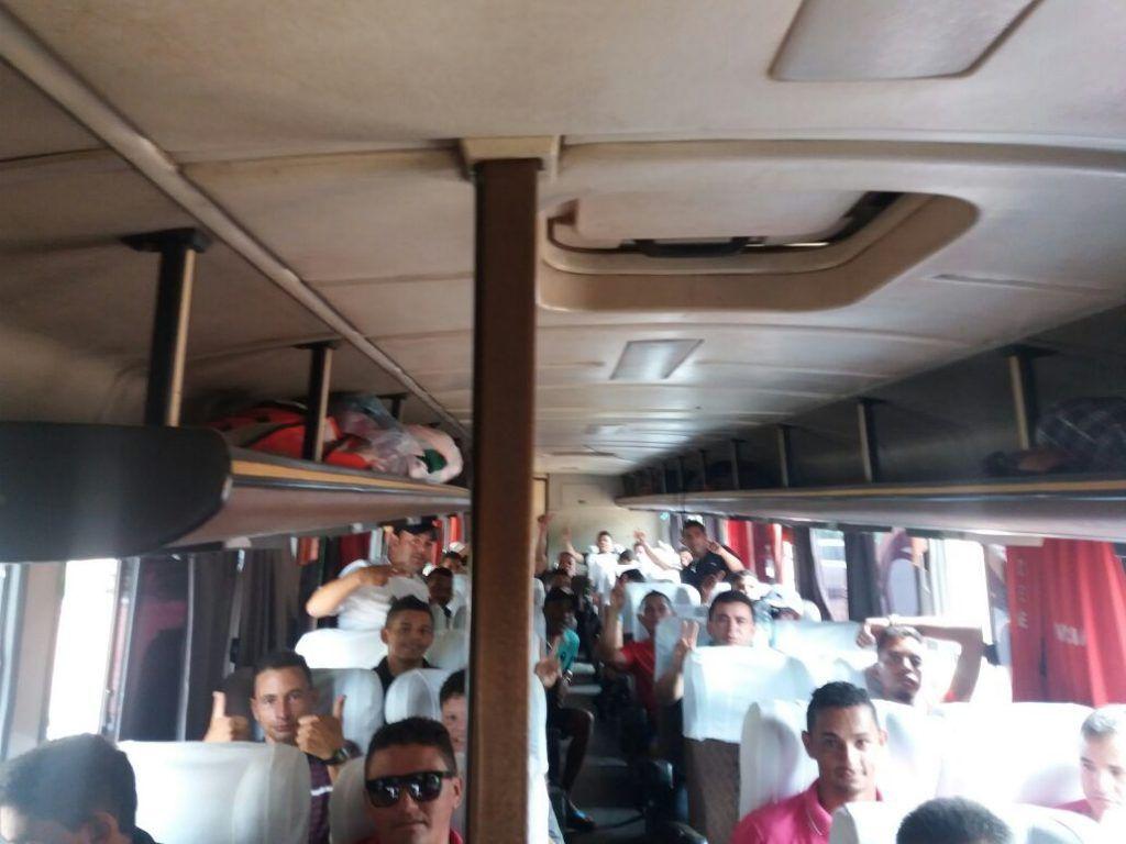 IMG 20180202 WA0101 1024x768 - Prefeito Moisés entrega à seleção de futebol de Jenipapo dos Vieiras, um ônibus para ser usado em viagens - minuto barra