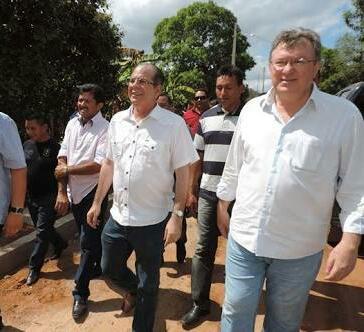 IMG 20180224 WA0237 - Aristides Milhomem solicita a Hildo Rocha empenho para a construção de casas populares nas comunidades indígenas - minuto barra