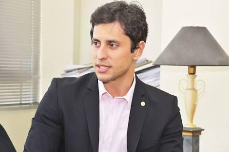 images 6 1 - VEXAME!!! Duarte Júnior é repreendido por estudante de direito na FACEM em São Luís - minuto barra