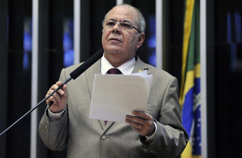Deputado Hildo Rocha 1024x671 - Projeto de Hildo Rocha defende clientes prejudicados por explosões de bancos - minuto barra