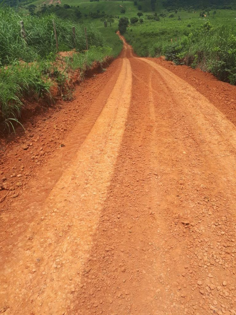 IMG 20180309 WA0091 768x1024 - Prefeito Moisés recupera estradas da zona rural em Jenipapo dos Vieiras - minuto barra