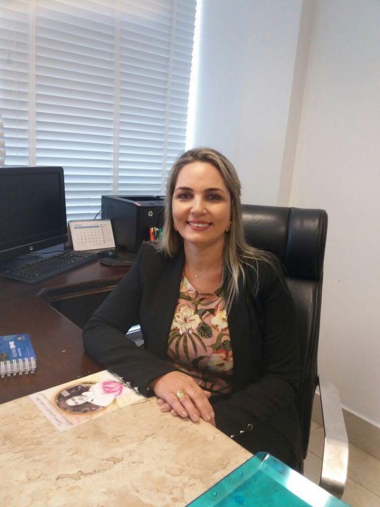 IMG 20180313 WA0026 768x1024 - Simone Limeira é empossada em cargo na diretoria da Assembléia Legislativa - minuto barra