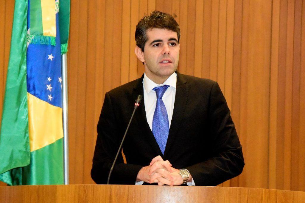 3617989a1f051fd60d5e44b26972aedd 1024x683 - URGENTE!! Telefone do deputado Adriano Sarney é clonado no Maranhão - minuto barra