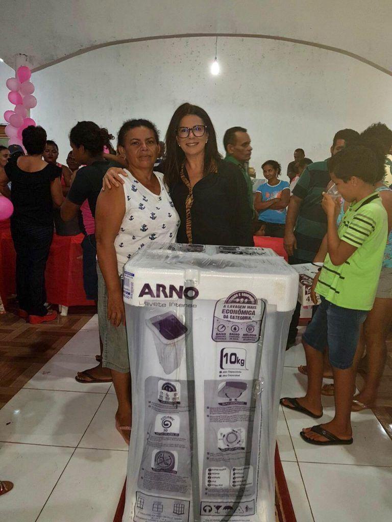 IMG 20180515 WA0012 768x1024 - Abigail Cunha e dona Santinha promovem grandes festas para às mães na zona rural de Barra do Corda - minuto barra