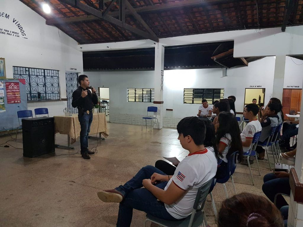 IMG 20180518 WA0053 1024x768 - Delegado Renilto promove palestra na escola Ardalião Pires - minuto barra