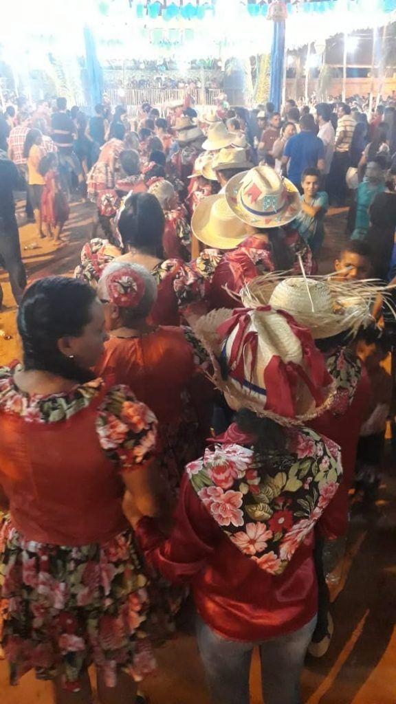 IMG 20180625 WA0015 576x1024 - Prefeito Moisés Ventura prestigia abertura do festejo junino em Jenipapo dos Vieiras - minuto barra