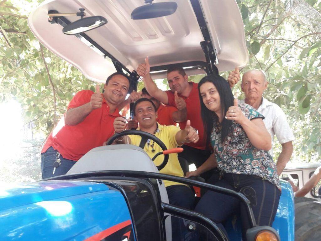 IMG 20180625 WA0039 1024x768 - Prefeito Adailton e deputado Rigo Teles inauguram obras em Fernando Falcão - minuto barra