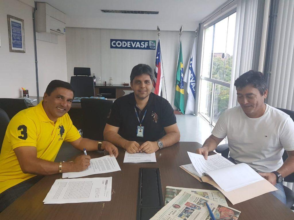 IMG 20180707 WA0025 1024x768 - Prefeito Adailton consegue com Hildo Rocha mais dois tratores para Fernando Falcão - minuto barra
