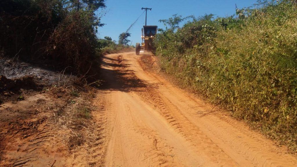 IMG 20180710 WA0044 1024x576 - Prefeito Moisés Ventura recupera estradas das aldeias em Jenipapo dos Vieiras - minuto barra