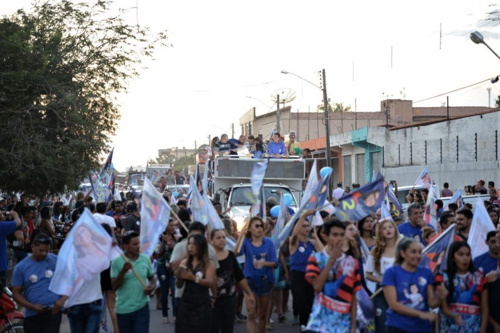 IMG 20180902 WA0003 1024x683 - Roseana é recebida por uma multidão na cidade de Chapadinha - minuto barra