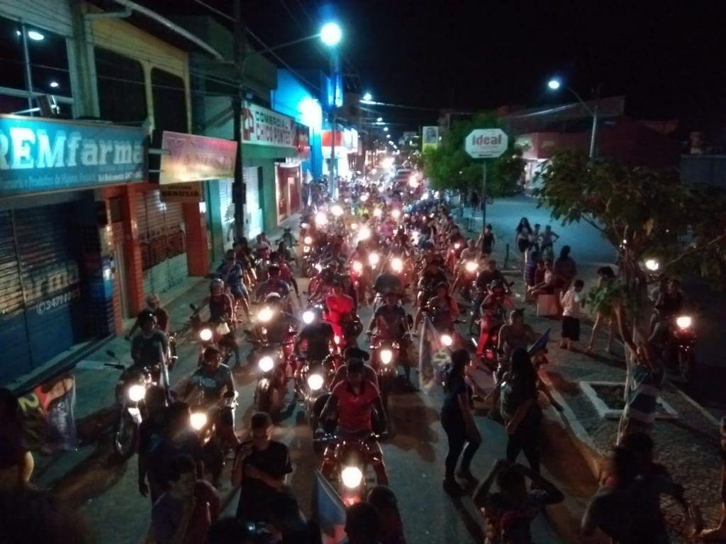 IMG 20180902 WA0005 1024x768 - Roseana é recebida por uma multidão na cidade de Chapadinha - minuto barra