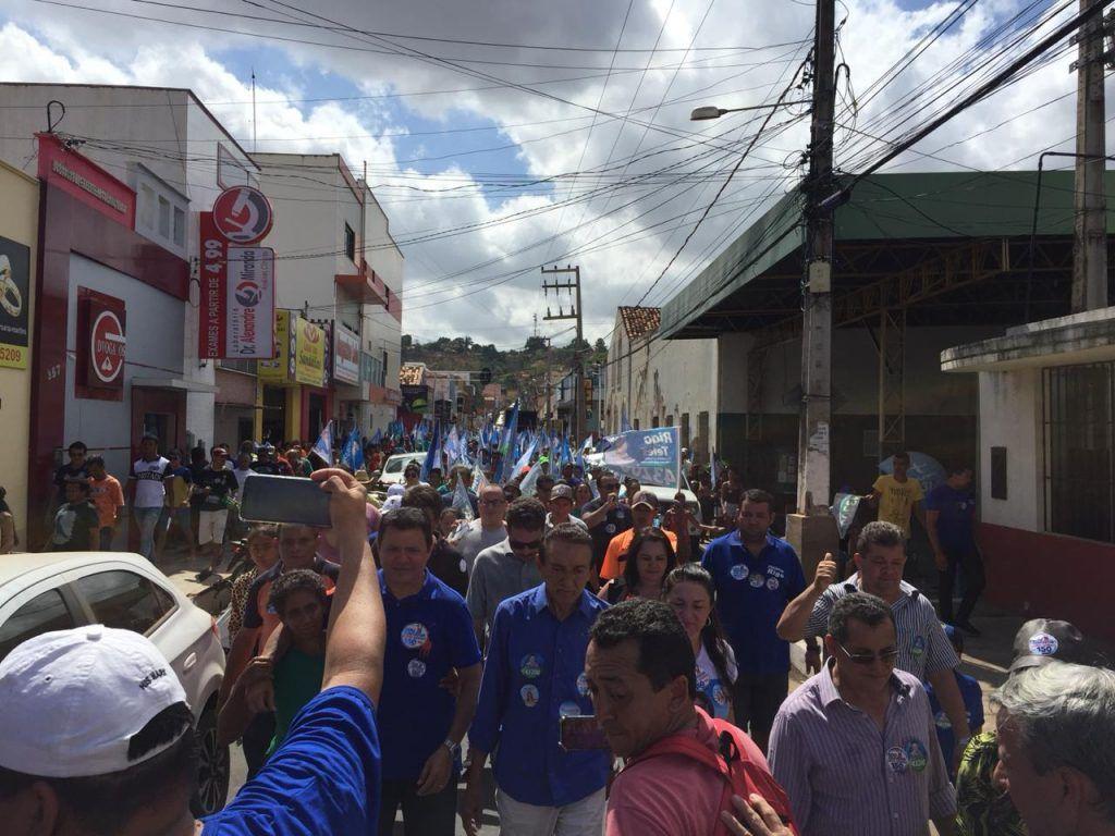 IMG 20180910 WA0027 1024x768 - Lobão é ovacionado percorrendo às ruas de Barra do Corda ao lado de Rigo Teles - minuto barra