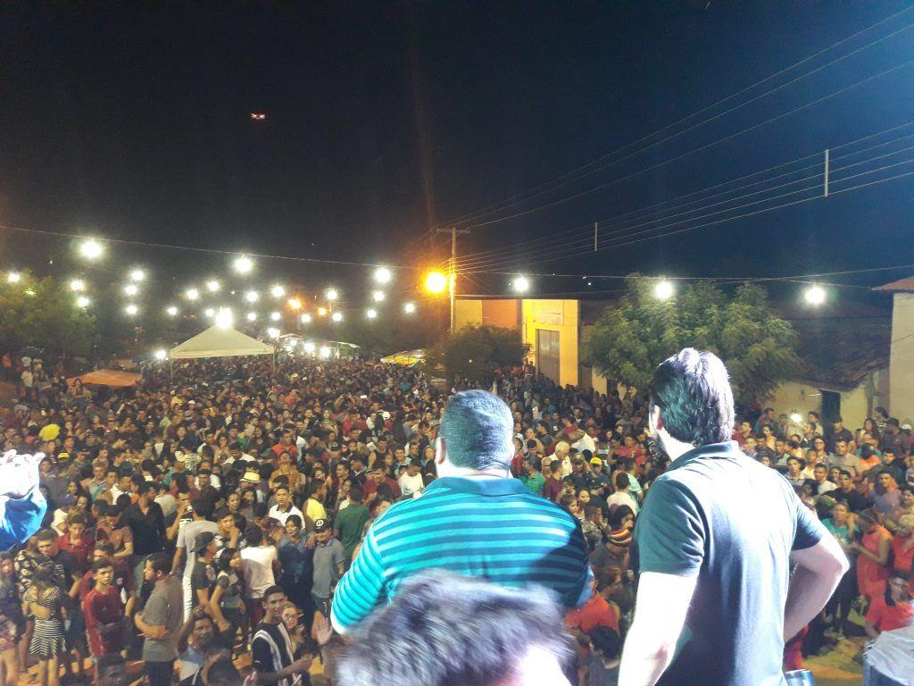 20181111 000518 1024x768 - Cavaleiros do Forró arrasta uma multidão no aniversário de Jenipapo dos Vieiras - minuto barra