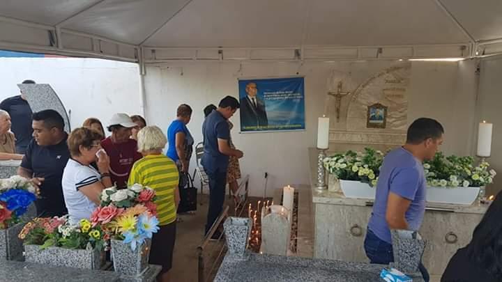 FB IMG 1541238986860 - Deputado Rigo Teles se emociona ao visitar cemitério onde seu pai encontra-se sepultado em Barra do Corda - minuto barra