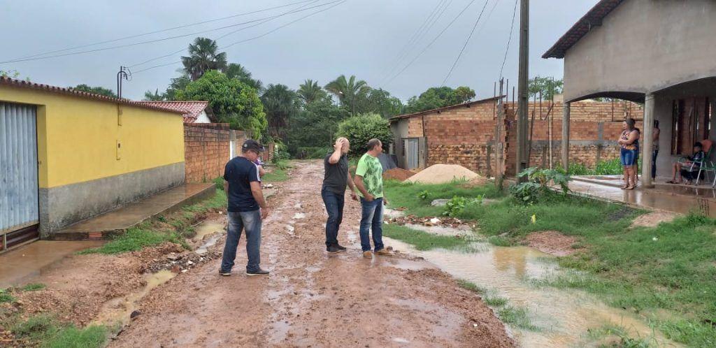 IMG 20181206 WA0050 1024x498 - Em nota, prefeitura de Barra Corda afirma que equipe já se encontra em rua onde carro quase foi engolido por buraco - minuto barra