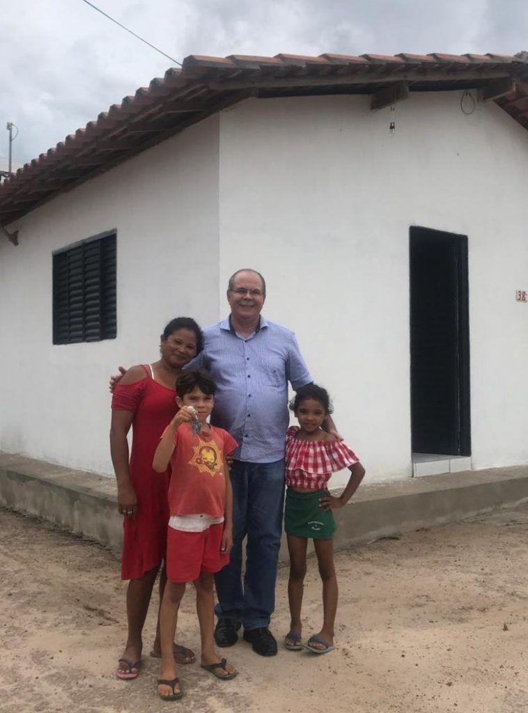 Ação transformadora • casas populares viabilizadas por Hildo Rocha começam a ser entregues no município de Presidente Vargas 758x1024 - Casas populares viabilizadas por Hildo Rocha começam a ser entregues no município de Presidente Vargas - minuto barra
