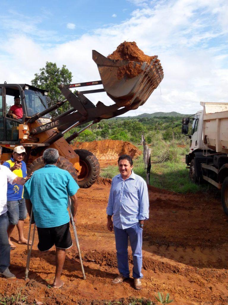 IMG 20190117 WA0009 768x1024 - Prefeito de Formosa da Serra Negra determina recuperação de estradas da zona rural - minuto barra