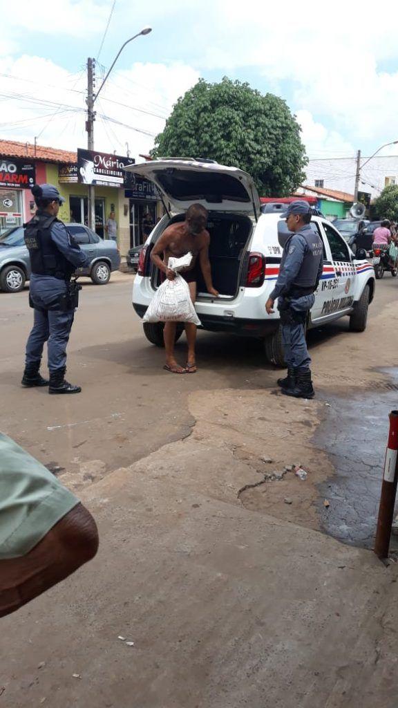 IMG 20190201 WA0055 576x1024 - Homem é flagrado andando quase nu pelas ruas de Barra do Corda e tenta agredir mulher - minuto barra