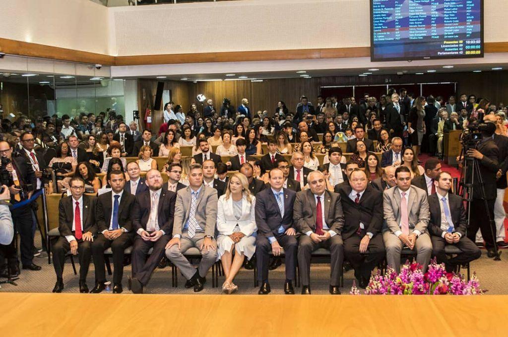IMG 20190201 WA0186 1024x681 - Com apenas 27 anos, Fernando Pessoa tomou posse no cargo de deputado estadual - minuto barra