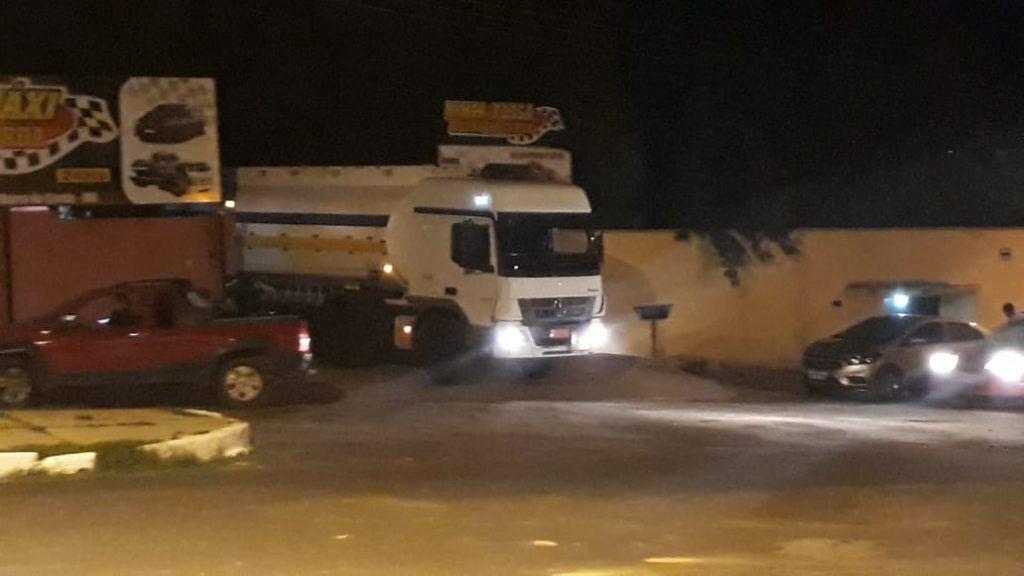 IMG 20190212 WA0120 1024x576 - Delegado Renilto Ferreira afirma que motorista do caminhão não tem culpa no armazenamento ilegal de combustível - minuto barra