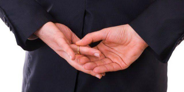 o INFIDELIDADE MASCULINA facebook - ATENÇÃO INFIÉIS: Enganar amante dizendo ser solteiro é crime previsto no Código Penal - minuto barra