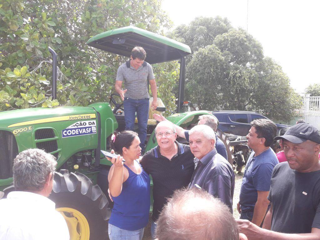 20190317 100321 1024x768 - VEJA AQUI: Hildo Rocha entrega trator novinho para população de Barra do Corda - minuto barra