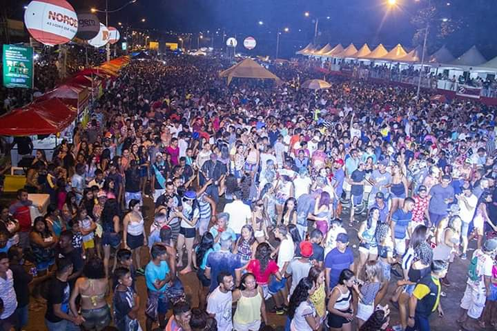 FB IMG 1551733131843 - Saia Rodada arrasta uma multidão durante a madrugada no corredor da folia em Barra do Corda - minuto barra