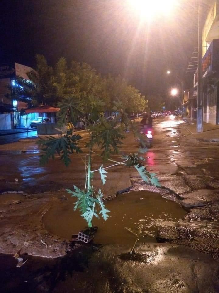 FB IMG 1552936863645 - Buraco no bairro Tamarindo completa 4 meses e população pede solução - minuto barra