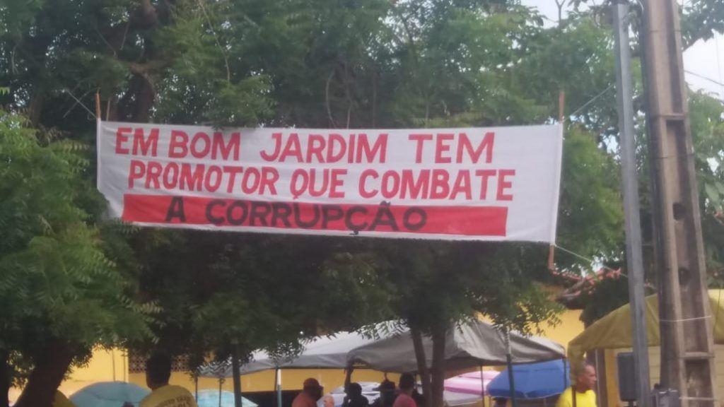 IMG 20190325 WA0046 1024x576 - Com faixas nas ruas, moradores de Bom Jardim parabenizam atuação do promotor Fábio Santos no combate à corrupção - minuto barra