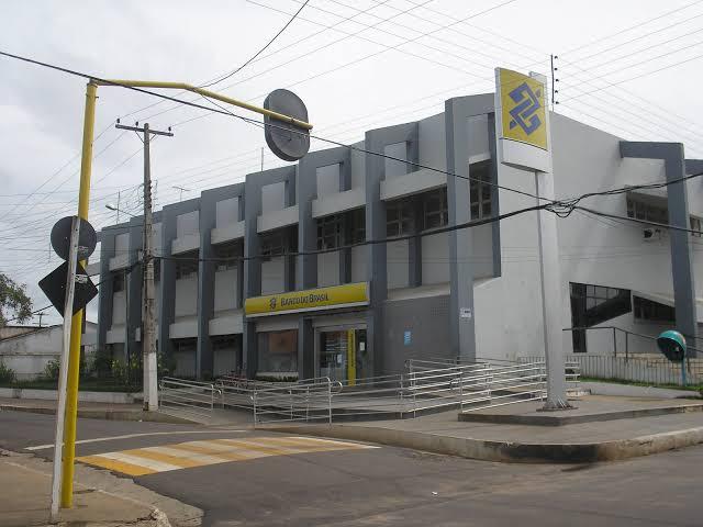 images 1 - No Banco do Brasil em Barra do Corda, clientes chegam a ficar por mais de 2 horas na fila esperando atendimento - minuto barra