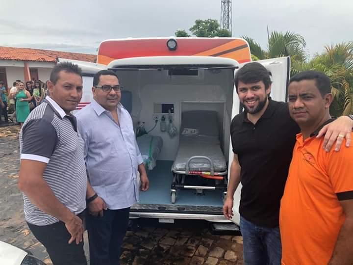 FB IMG 1554549828128 - Prefeito Moisés Ventura inaugura 3 UBS's e entrega 4 veículos zero km em Jenipapo dos Vieiras - minuto barra